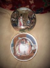 PAIR GILDED DISPLAY PLATES BOLD DESIGN WOMAN SELLING EGGS MOTHER & CHILDREN 8""